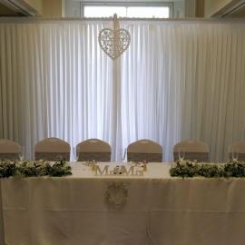 wedding-venue-decorations-birmingham-amy-victoria-backdrop-and-top-table-garlands