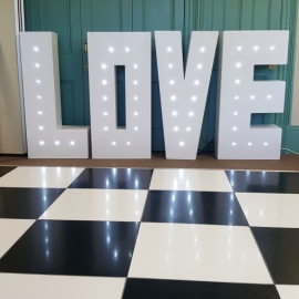wedding-venue-decorations-birmingham-amy-victoria-love-letters