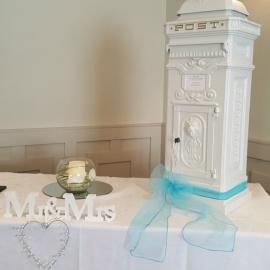 wedding-venue-decorations-birmingham-amy-victoria-wedding-post-box