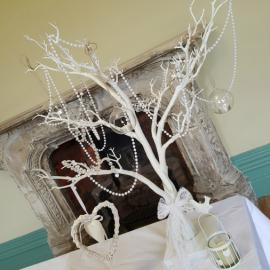 wedding-venue-decorations-birmingham-amy-victoria-tree-centrepiece