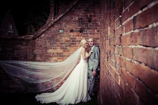 Guest Blog – Choosing Your Wedding Photographer